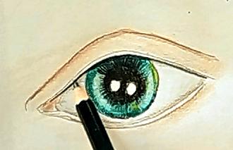 cieniowanie oka kredkami