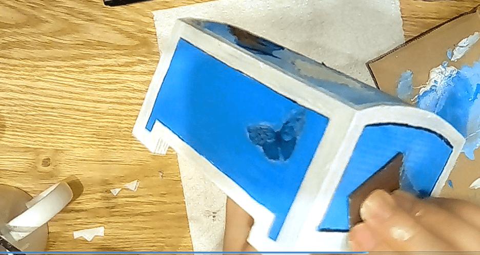 ścieranie papierem ściernym decoupage